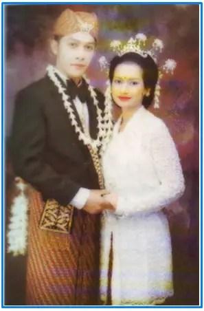Pakaian adat sunda untuk pengantin, pakaian adat Sunda, pakaian adat Jawa Barat, baju adat Sunda, pakaian daerah Sunda, nama pakaian adat Sunda, pangsi, baju adat Jawa Barat, adat Sunda,baju pengantin adat Sunda, nama pakaian adat Jawa Barat