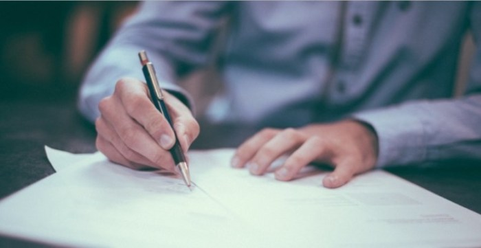 Contoh surat lamaran kerja yang baik dan benar untuk pabrik (PT), Bank, BUMN, dll