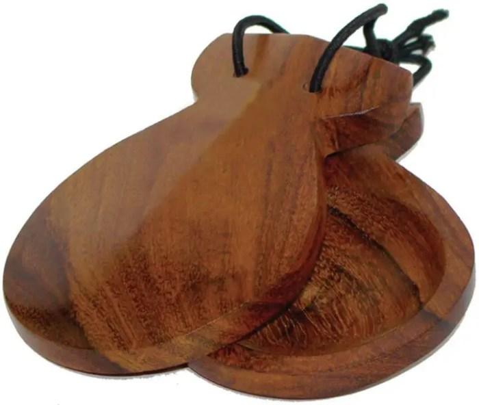 Castanet sebagai alat musik ritmis tradisional dari spanyol