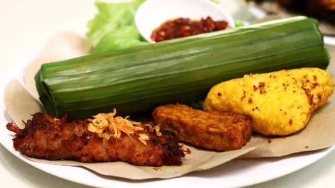 nasi timbel - makanan khas sunda terenak