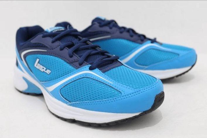merek sepatu olahraga league