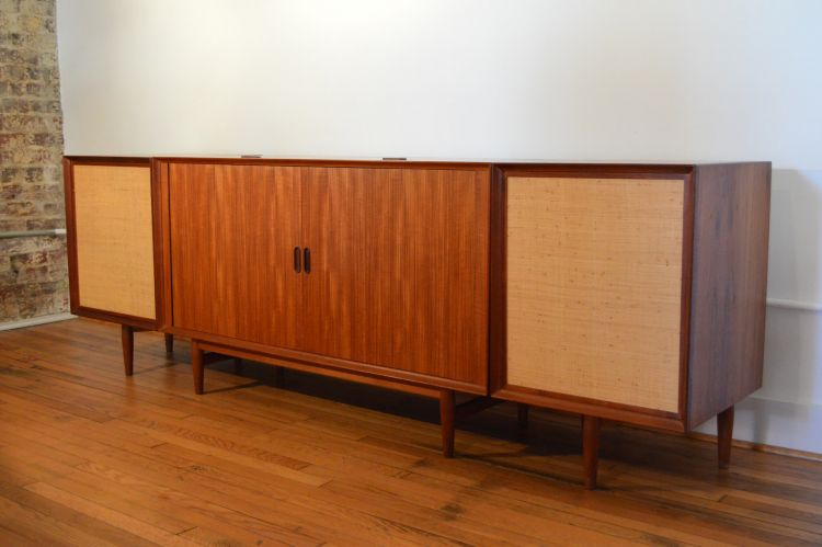 gambar lemari kayu jati