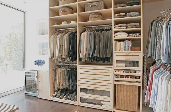 gambar lemari pakaian kayu jati