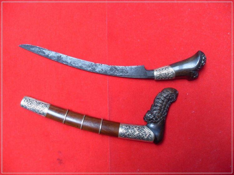 senjata pencak silat tumbuk lada
