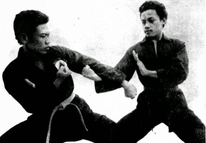 teknik dasar pencak silat pukulan meingkar