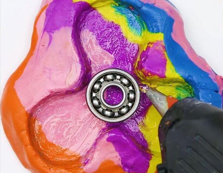 cara membuat spinner dengan lem tembak