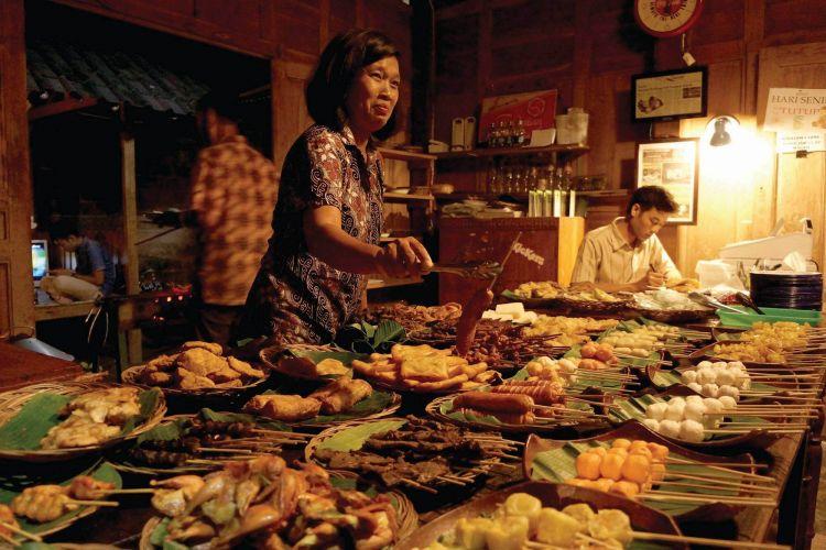 10 Tempat Wisata Kuliner di Jogja yang Wajib Dikunjungi