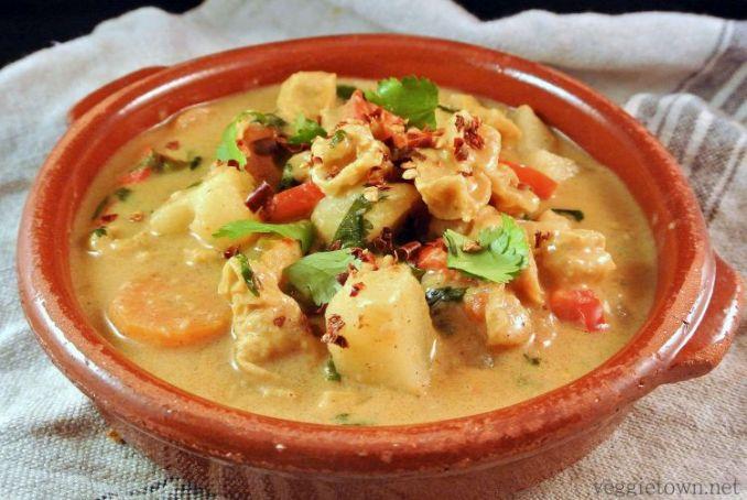 makanan enak massaman curry - Thailand