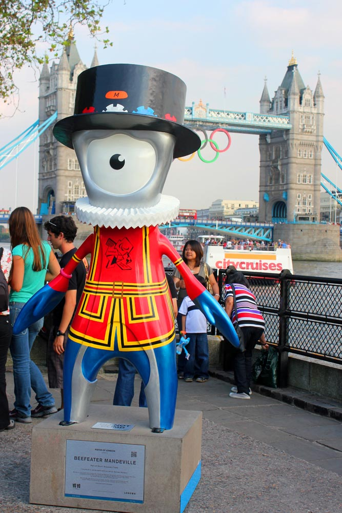London Landmark Wenlock and Mandeville (3/4)