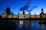 Houses of Parliament lights up (2)