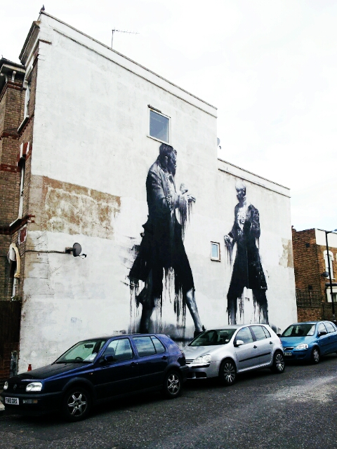 Conor Harringtons Duelling Men, part of the Dulwich Outdoor Gallery