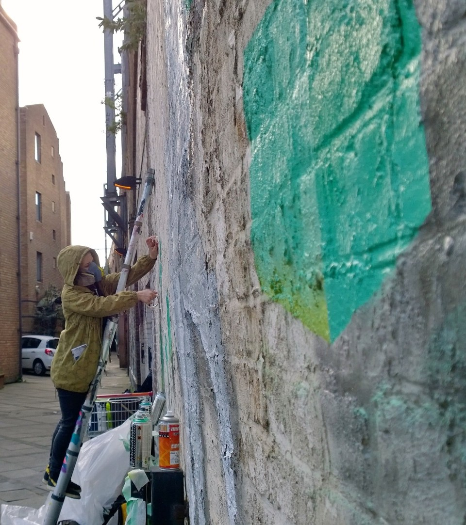 Boxhead painting on Water Lane