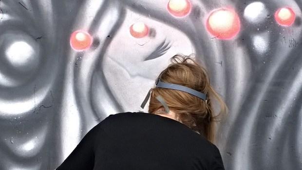 Vanessa Longchamp finishing her piece