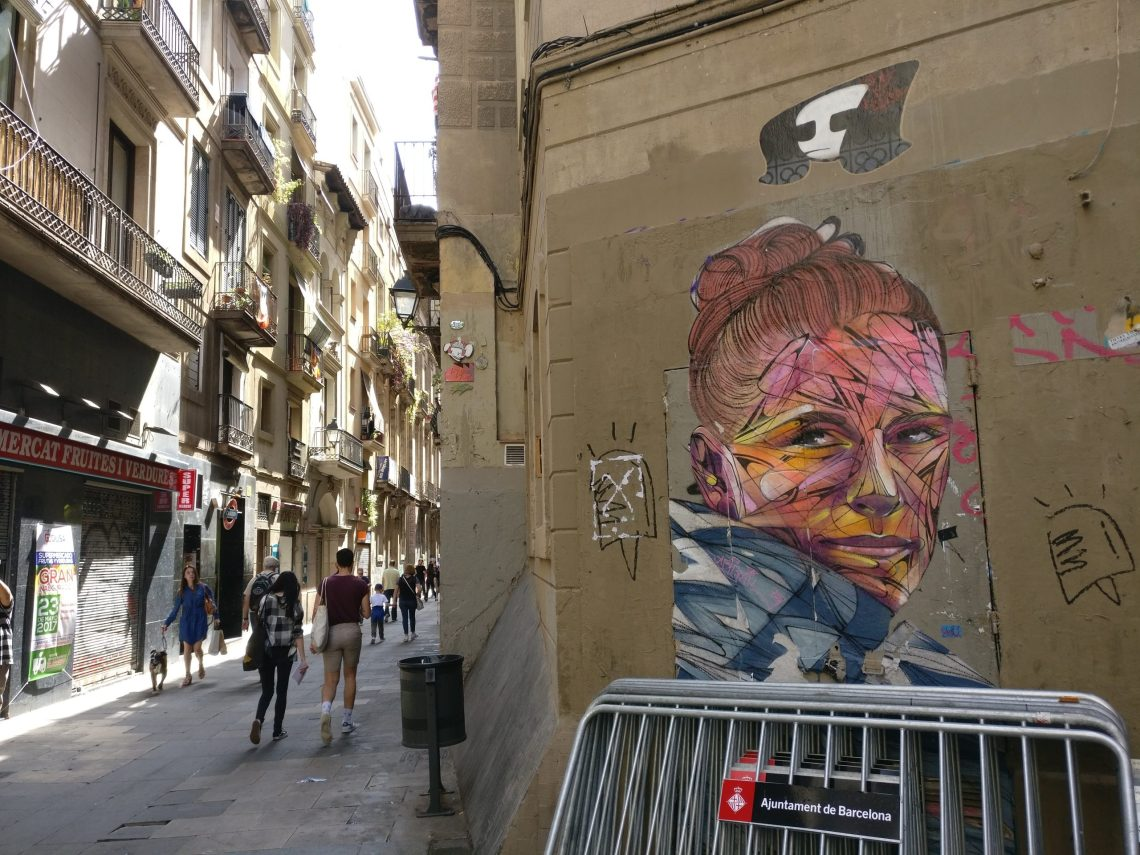hopare in the gothic quarter