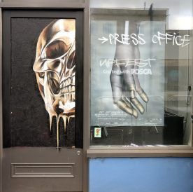 A golden skull by the Upfest press office