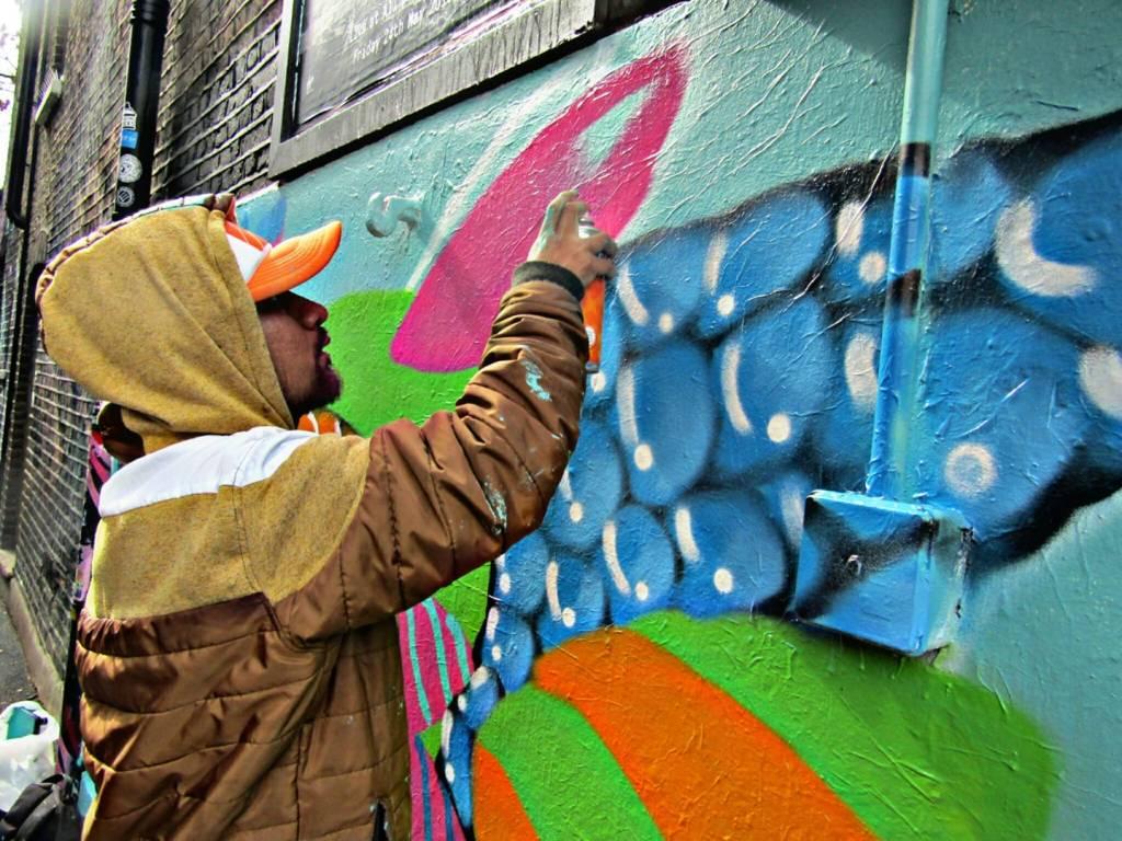Sune Nesu painting in Camden