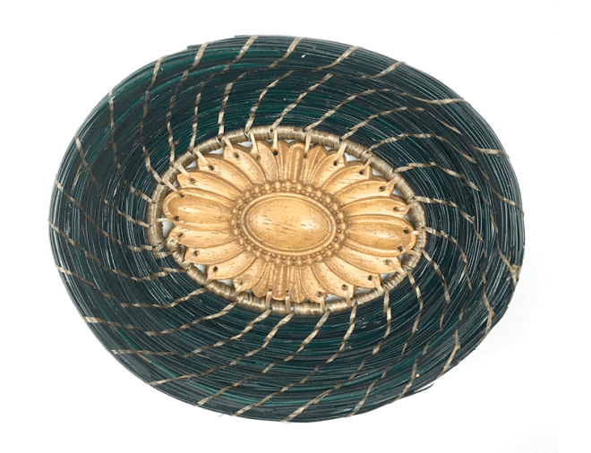 Picture of the Small Wonders pine straw basket by Patti Jones