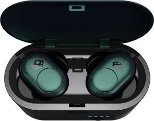 Push Skull Candy Push Green Truly Wireless Earbuds in case