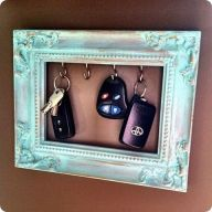 Simple and beautiful way to display your keys. Onf of the most misplaced items for me....that or lost somewhere in the bottom of my purse.