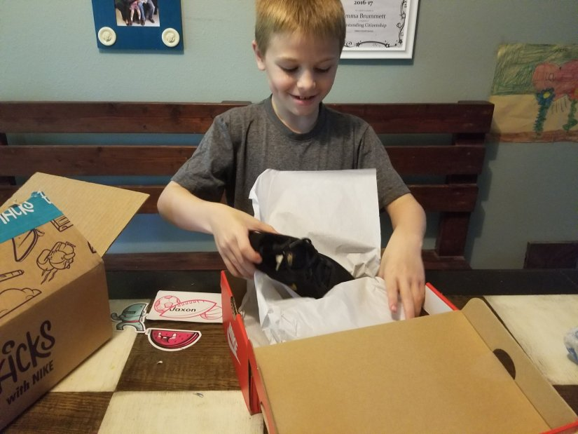 EasyKicks Subscription: Shoes For Growing Kids & A Lifesaver For Moms (Unboxing)