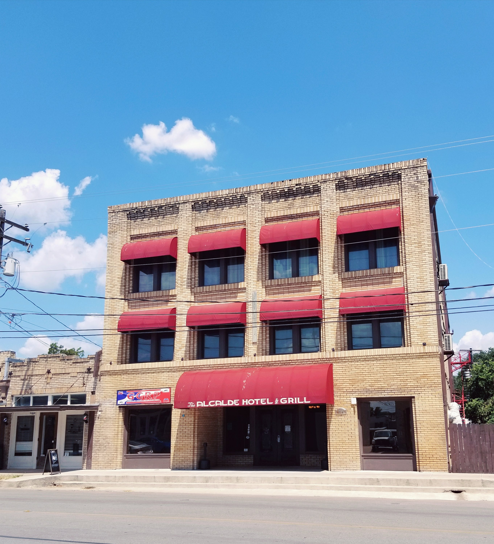 Alcalde Hotel in Gonzales Texas