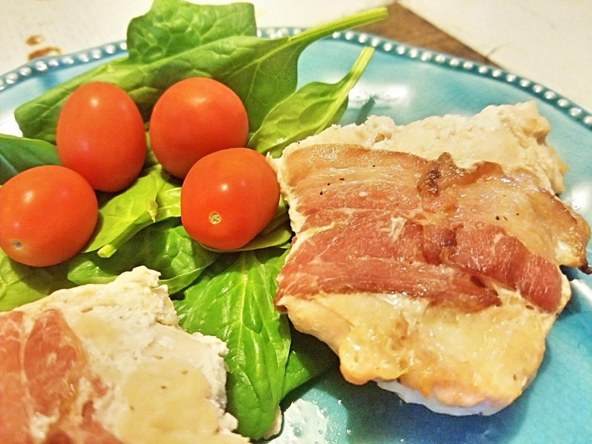 easy bacon wrapped chicken breasts, keto, low carb, easy recipes