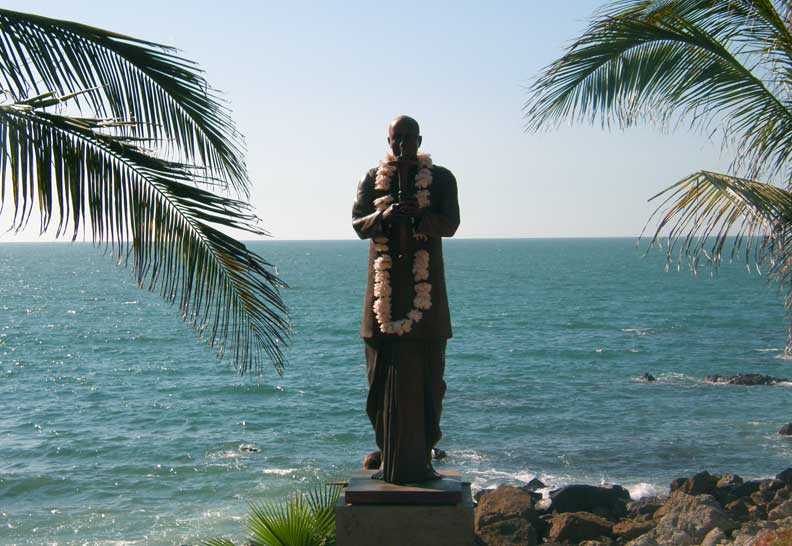 New statue of Sri Chinmoy in Mazatlan, Mexico