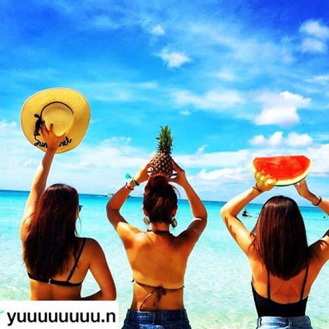 """#repost @yuuuuuuuu.n この写真が撮りたくてマレーシアからパイナップルを持参したバカなわたし。笑I bring a pineapple from Malaysia.Because I wanted to take photo like this I'm stupidlol#世界一周 #フォトジェニック #タビジョ #夢を叶える #旅好きな人と繋がりたい #photogenic #dreamscometrue #絶景 #tabijyo #ハレコレ #dearmuse #travelgram #airasia #写真好きな人と繋がりたい #iphoneshot #genic_beach #ファインダー越しの私の世界 #海外旅行 #genic_travel #genic_mag #旅好き女子 #インスタトラベル #instatravel#philippines #boracay #kalibo #フィリピン #ボラカイ ▼△▼△▼△▼△▼△▼△▼△▼△▼△▼△▼△repost AcceptingIf you wish to repost please tag """"@instabae_navi"""" in the picture.▼△▼△▼△ repost受付中 ▼△▼△▼△ インスタ映え写真のrepostを受付中です🤗 🏝少しでも多く方に見て欲しい!🏝いいね数を増やしたい!🏝フォロワー数を増やしたい! そんな方は自慢の写真にタグ付け下さい 写真に @instabae_navi をタグ付け下さい️ハッシュタグに #インスタ映えNAVI もお忘れなく ️ ※順番に投稿しておりますので少々お待ちいただく場合がございます。皆さまからのタグ付けをお待ちしております ▼△▼△▼△▼△▼△▼△▼△▼△▼△▼△▼△ - from Instagram"""