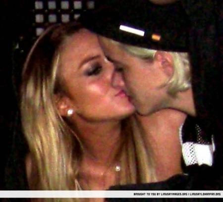 lindsay lohan samantha ronson lesbian kiss picture