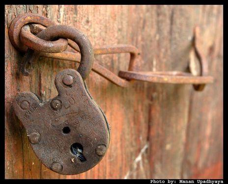 lock open door iron old LqCLX 16960