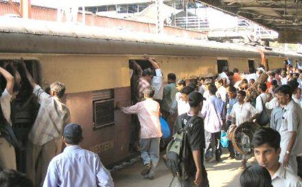 mumbai local halt 26