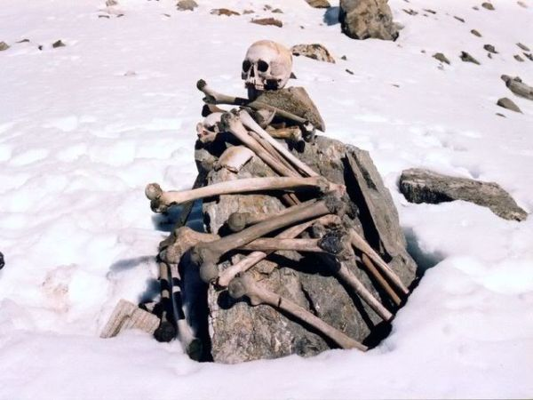 The enticing lake of Roopkund is surrounded by hundreds of ancient skeletons