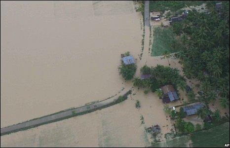 typhhon floods 2 QDVSZ 16638