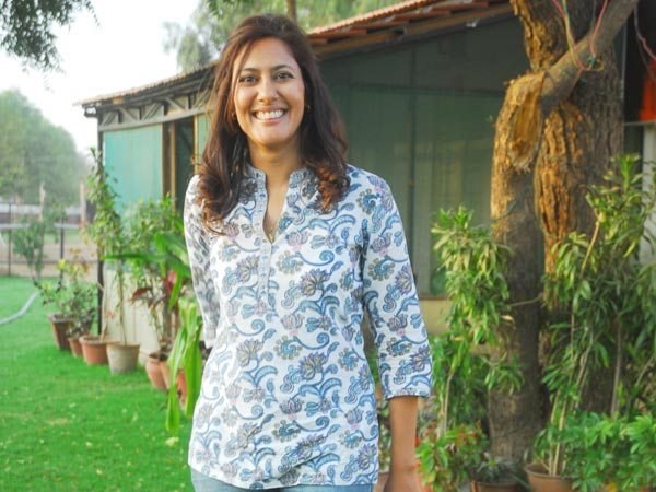 woman sarpanch chhavi GXJIe 37945