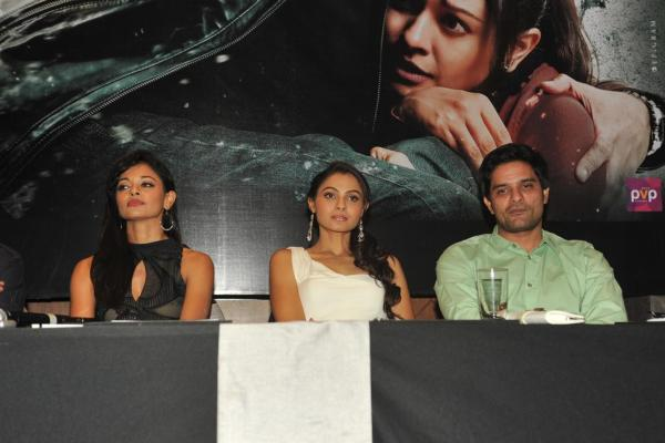 zksqcig8ysnppj35.D.0.Pooja-Kumar--Andrea-Jeremiah--Jaideep-Ahlawat-at-film-VISHWAROOP-press-meet-in-Mumbai