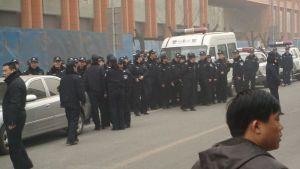 800px-Jasmine_Revolution_in_China_-_Beijing_11_02_20_police_5