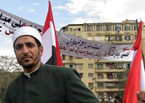 Azhari_in_Tahrir_with_banner