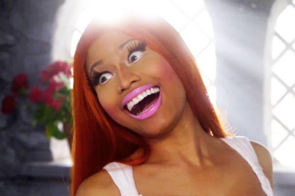 Nicki-Minaj-VavaVoom-900-600