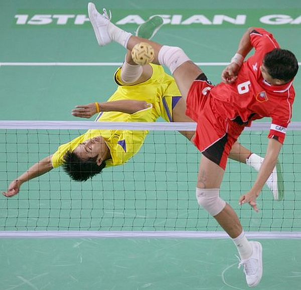 15th Asian Games Doha 2006 - Sepaktakraw: Vietnam v Myanmar