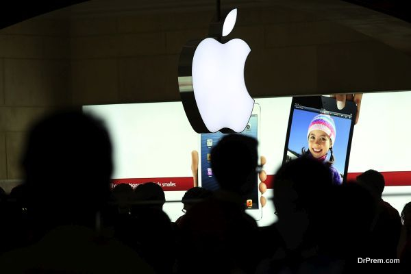 """Apple Shares Continue To Fall After """"Death Cross"""""""