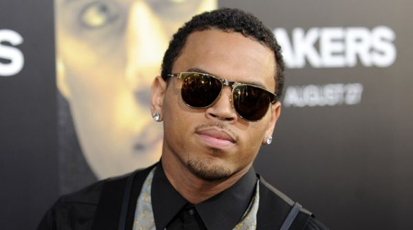 """Actor and singer Chris Brown arrives at the premiere of """"Takers"""" in Los Angeles, California August 4, 2010. REUTERS/Gus Ruelas (UNITED STATES - Tags: ENTERTAINMENT PROFILE)"""