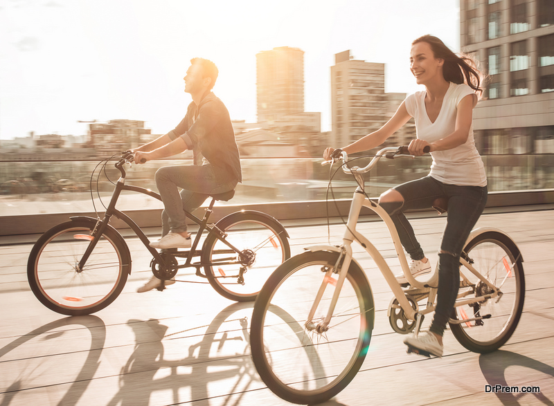 couple with bicycles