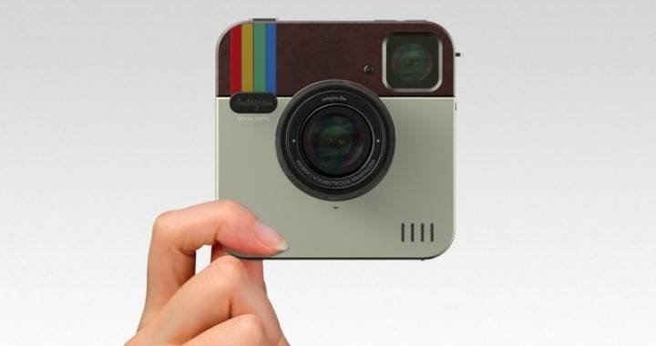 Social Matic concept camera based on Instagram
