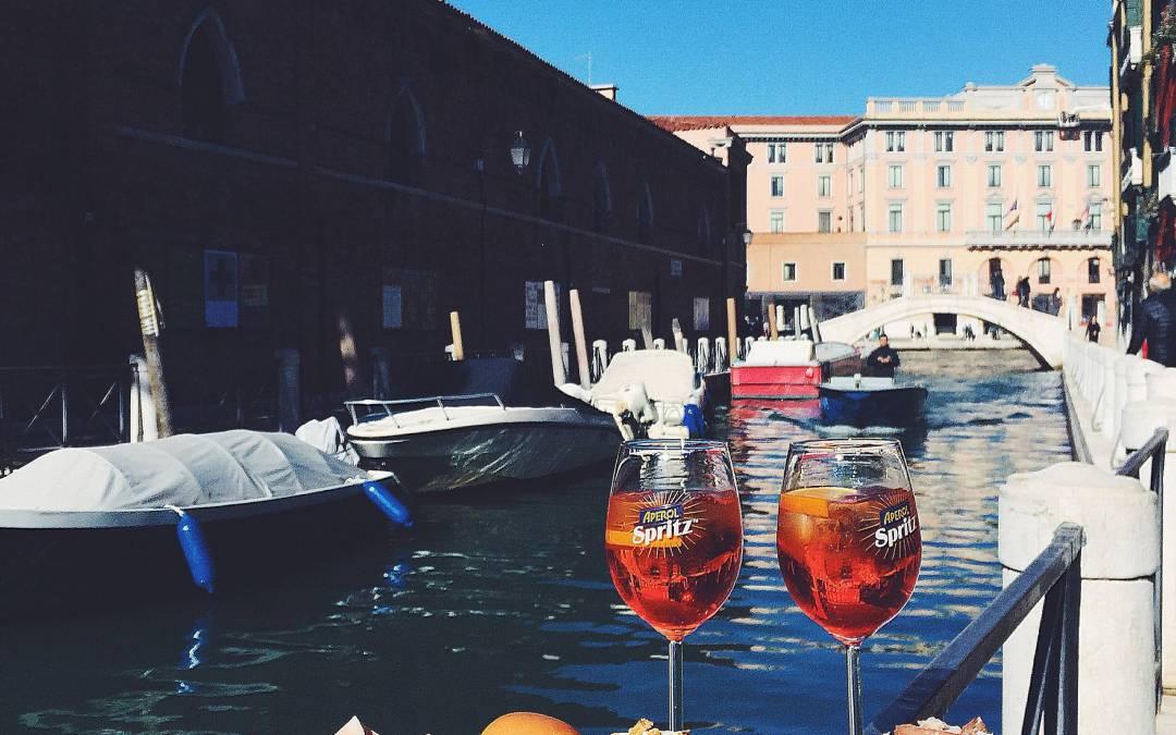 ¿Hay algo mejor que disfrutar del aperitivo perfecto en el lugar perfecto?