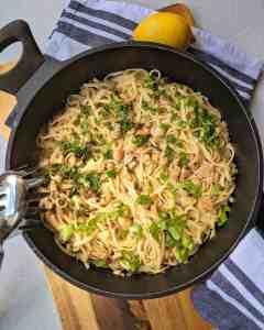 Cremige Spaghetti mit Champignons und Knoblauch
