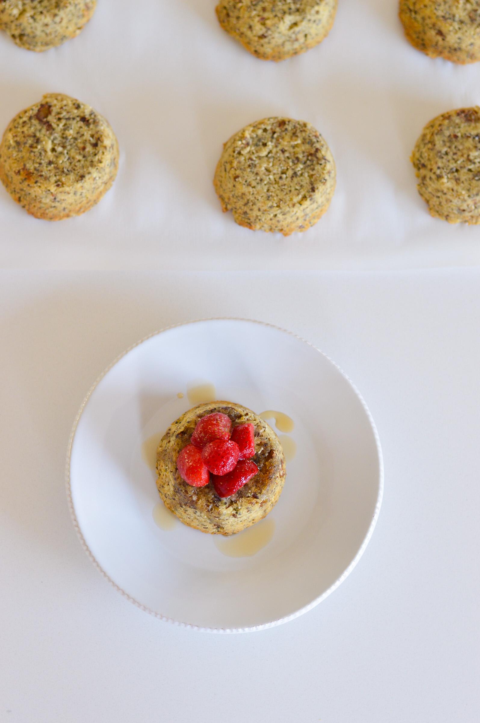 Mini Maple Vanilla Nut Cakes instantloss.com