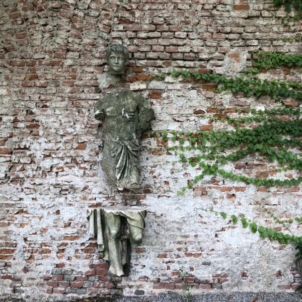 Casa degli Atellani, a detail of the garden
