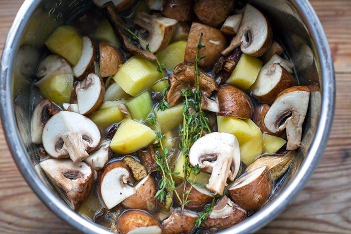 Pressure cooking mushroom soup