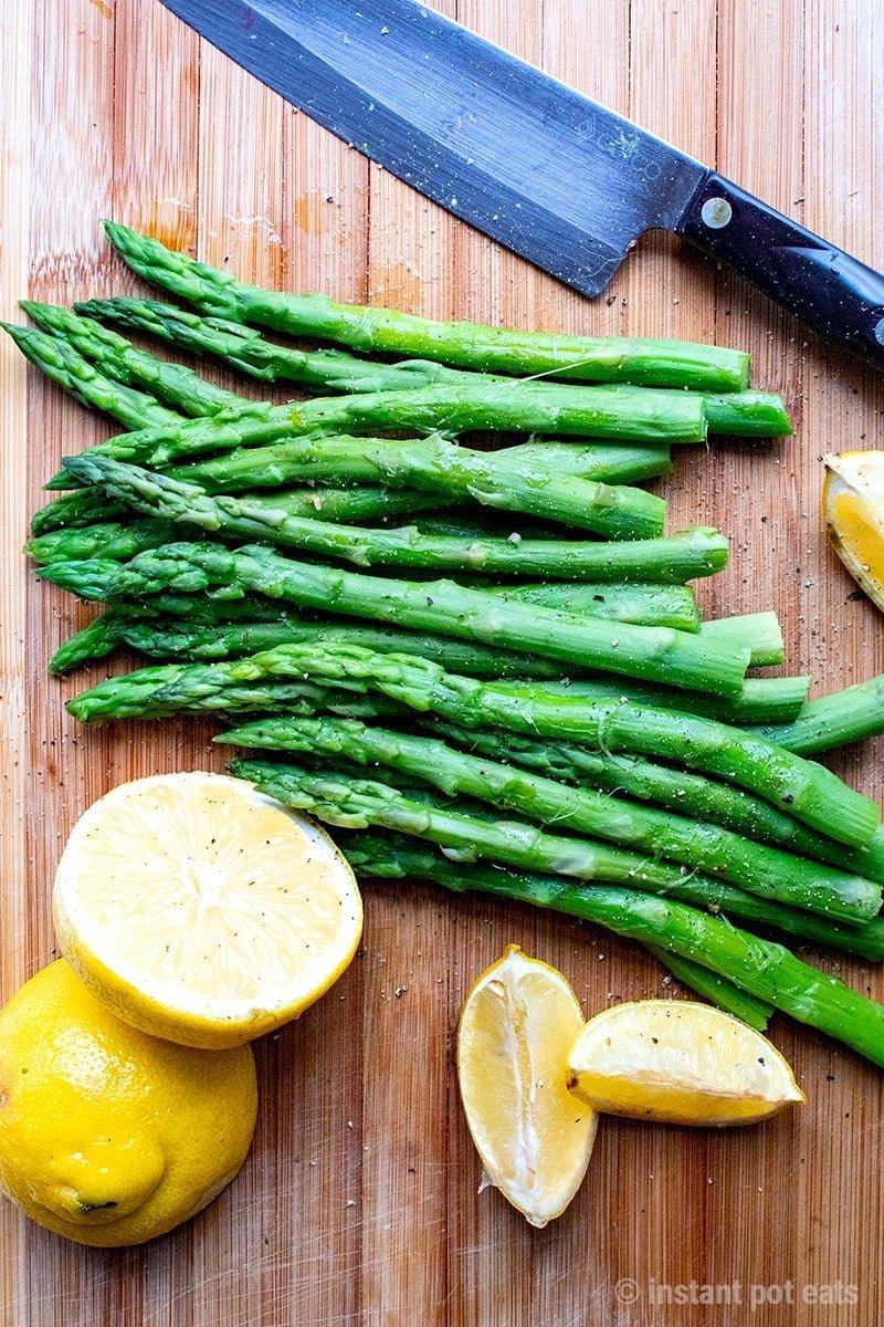 Instant Pot Asparagus With Lemon, Garlic & Pepper