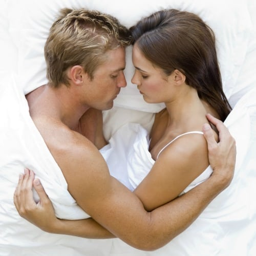 Sensualité ex Desir feminin pd-couple-in-bed-500T